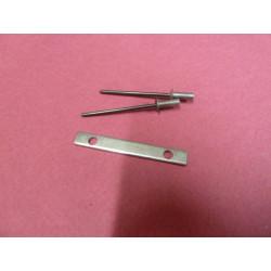 clé avec rivets