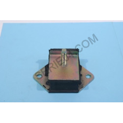 rubber mount for engine support